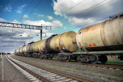 Fotografía  Oil and fuel transportation by rail