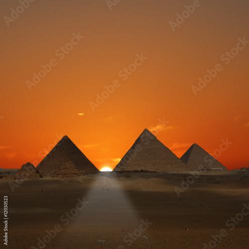 Tuinposter Egypte Pyramids Sunrise (Giza, Egypt)