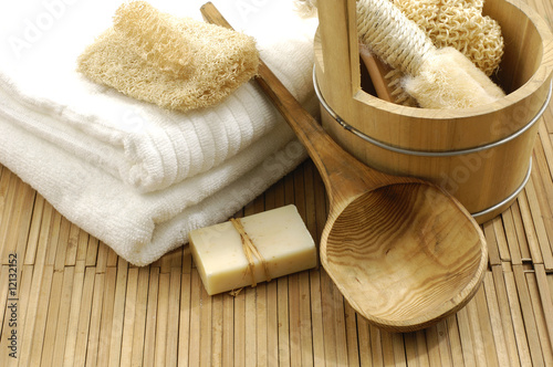 Spoed Fotobehang Spa bath accessories on the bamboo mat