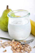 Joghurt, Haferflocken Und Obst