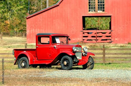 фотография  Antique Truck and Barn