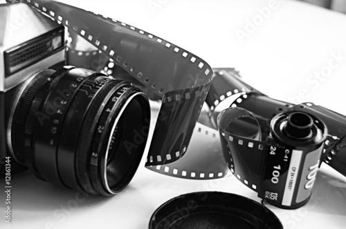 Obraz macchina fotografica e rullini - fototapety do salonu