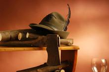 Cappello D Alpino Con Legna E ...