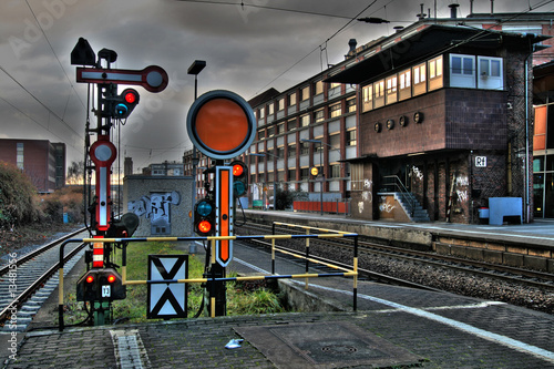 Foto auf AluDibond Bahnhof Gleise