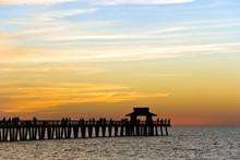Sonnenuntergang Am Pier In Naples,Florida,USA