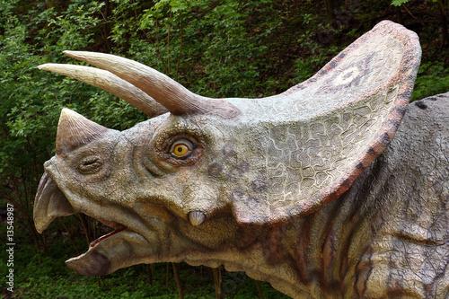 Naklejka premium Dokładnie dinozaur model Triceratops