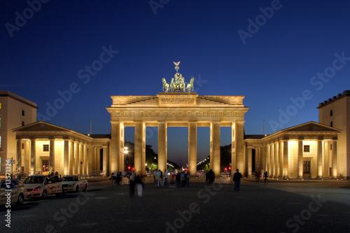Fotobehang Volle maan Brandenburger Tor - Berlin