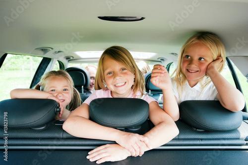 Photo  Familie im Auto verreist