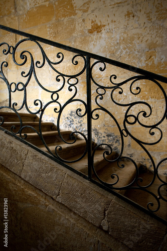 Foto op Plexiglas Trappen escalier ancien