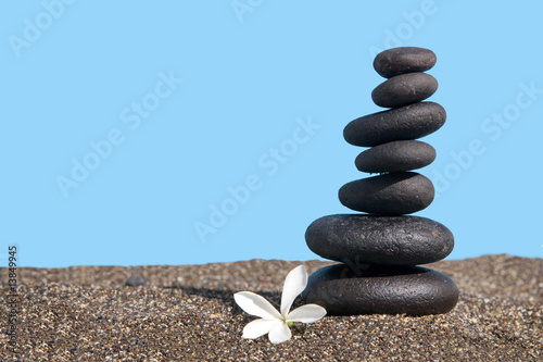 Poster de jardin Zen pierres a sable balanced stones on the sand