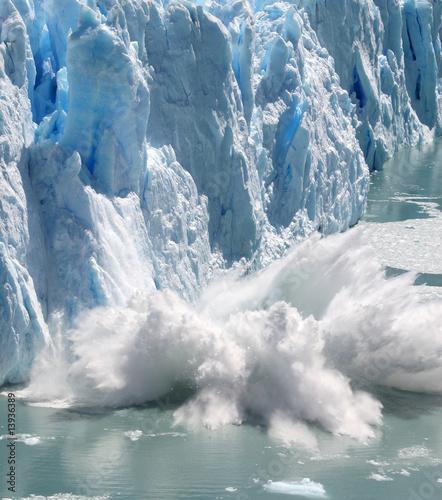 Fotobehang Antarctica Collapsing Stack 4