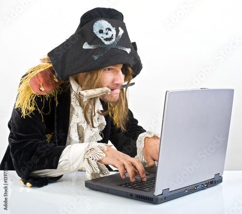 Naklejka premium komputer piracki