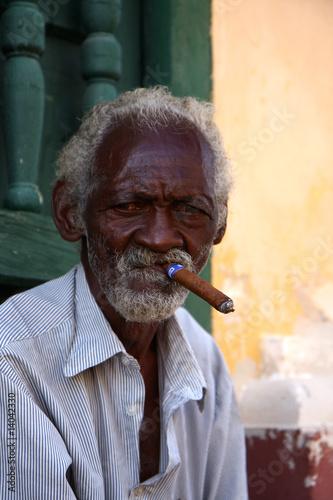 homme au cigare cubain Canvas Print