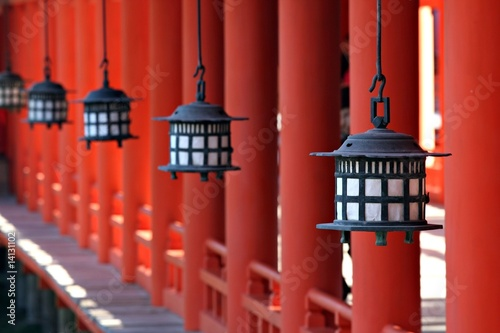 Fotobehang Japan Lanterns at Miyajima's Itsukushima Shrine - Japan
