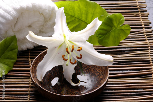 Spoed Fotobehang Spa Spa composition of white madonna lily