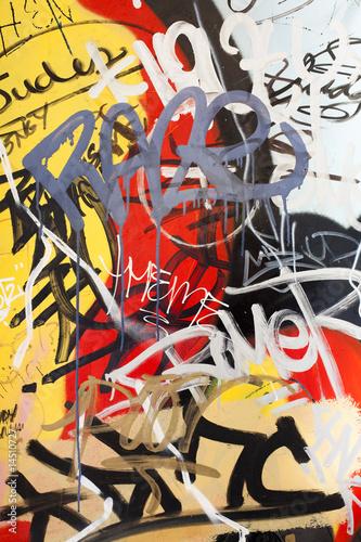 Yellow Graffiti © Seb