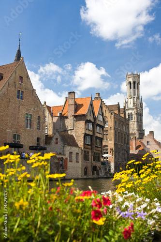 In de dag Brugge Kanal in Bruegge, Belgien