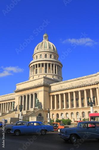 Staande foto Cubaanse oldtimers Kapitol in Havana