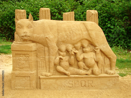 Sculpture from sand. The Roman she-wolf Fototapet