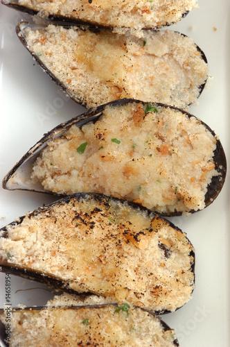 Foto op Aluminium Vlees Cozze gratinate - Antipasti di pesce - Emilia Romagna