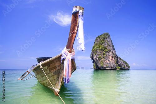 Foto-Kissen - Longtail boat at Krabi, Thailand (von Henrik Winther Ander)