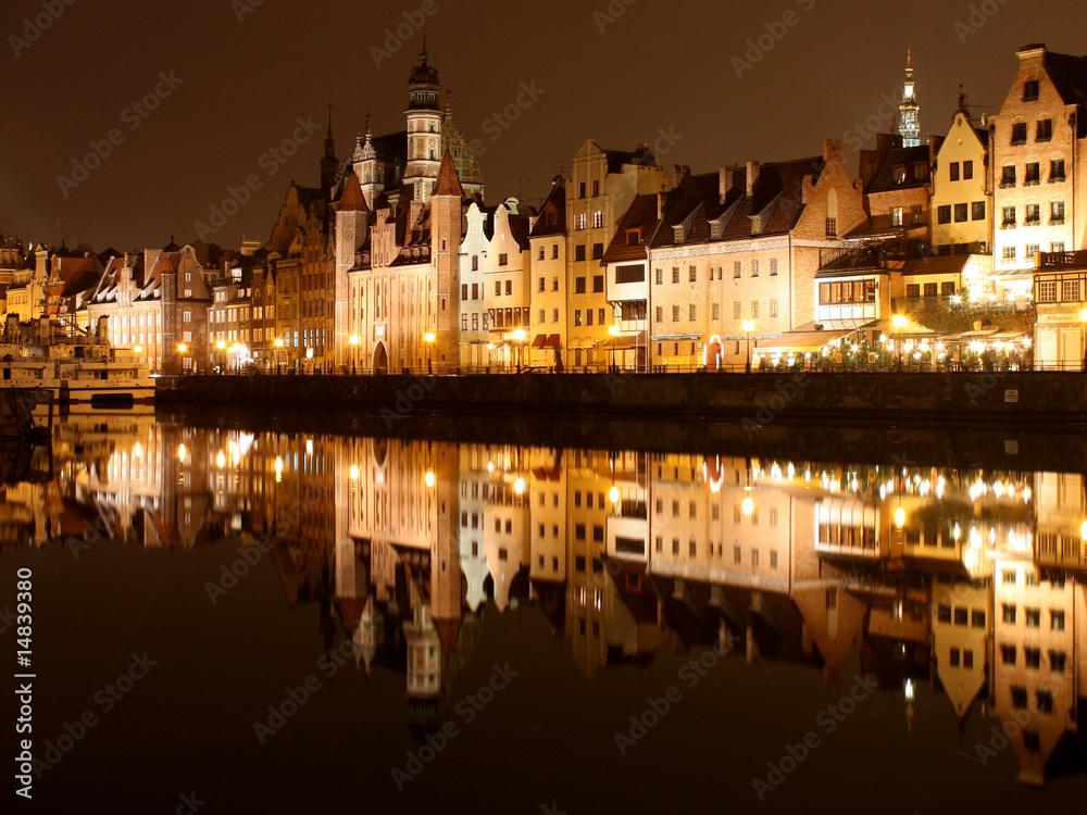 Fototapety, obrazy: Oświetlony Gdańsk nocą