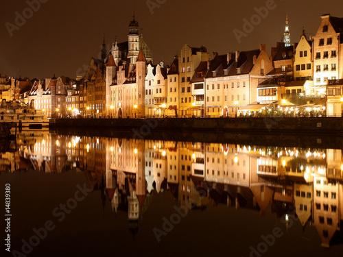Obraz Oświetlony Gdańsk nocą - fototapety do salonu