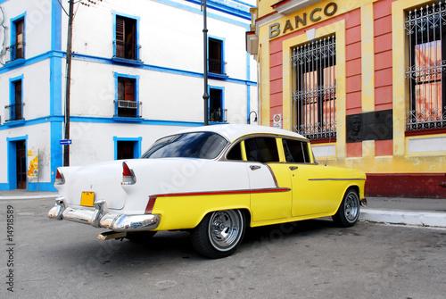 Deurstickers Cubaanse oldtimers vintage car in cuba