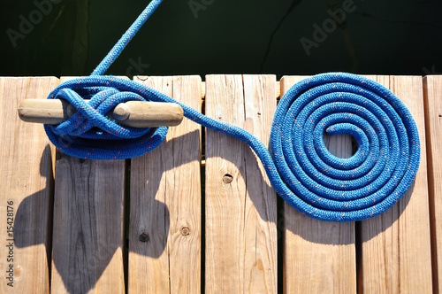 Slika na platnu Coiled Blue Rope and Cleat