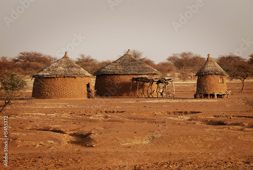 traditionelle Hütten in Burkina Faso #15455372