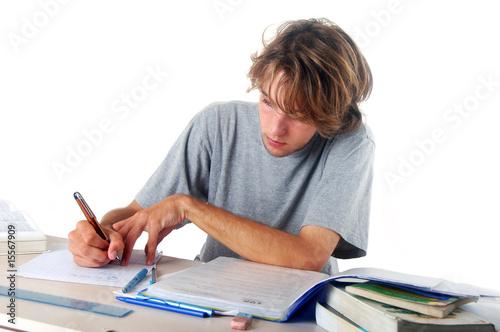 Foto  L'étudiant écrivant
