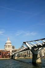 The Millennium Footbridge In L...