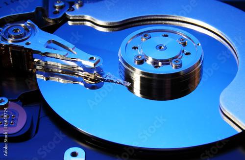 Fotografia  Hard disk drive (toned in blue)