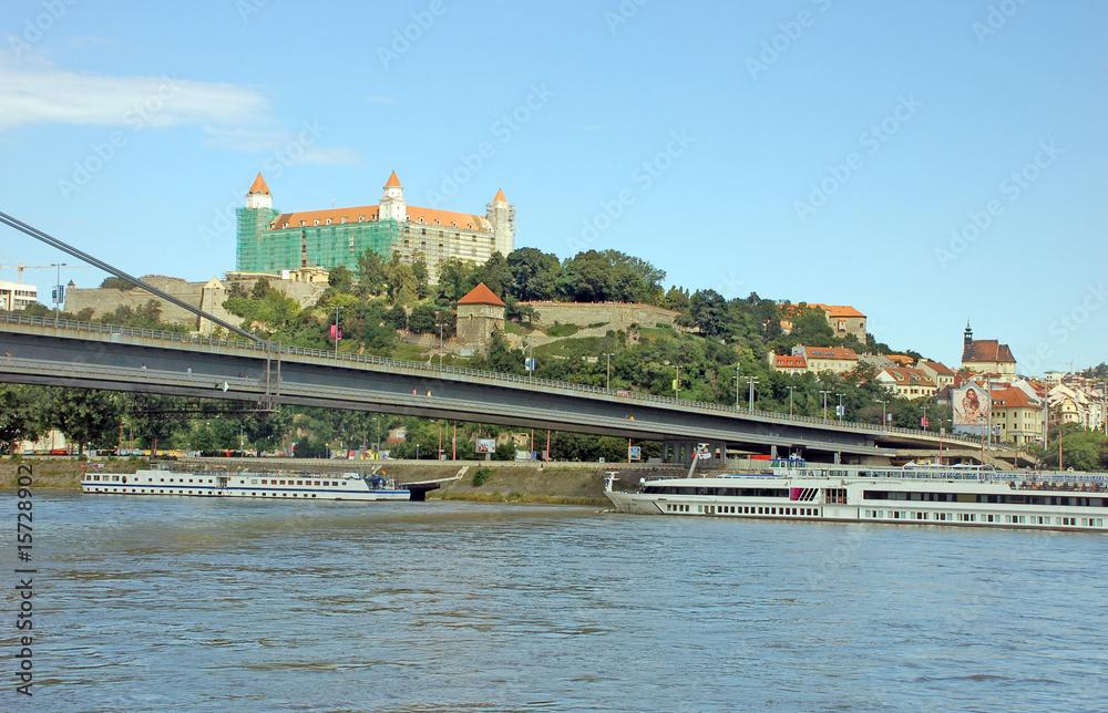 Fotografiet  Bratislava  - New bridge view