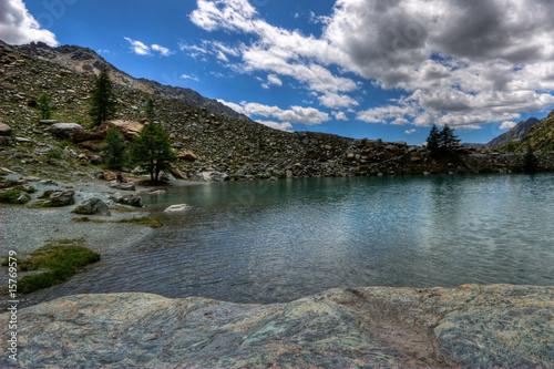 Foto auf Gartenposter Fluss Lago Blu