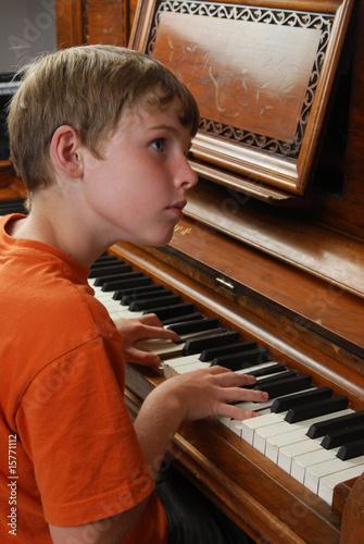 Foto op Canvas Muziekwinkel Piano Player