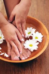 Obraz na płótnie Canvas relaxing bath with flowers