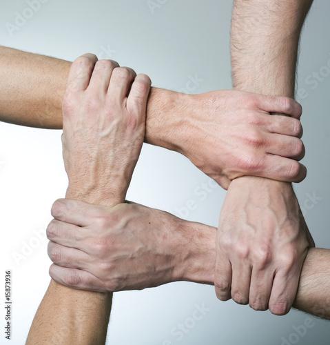 Fotografía  mains et solidarité