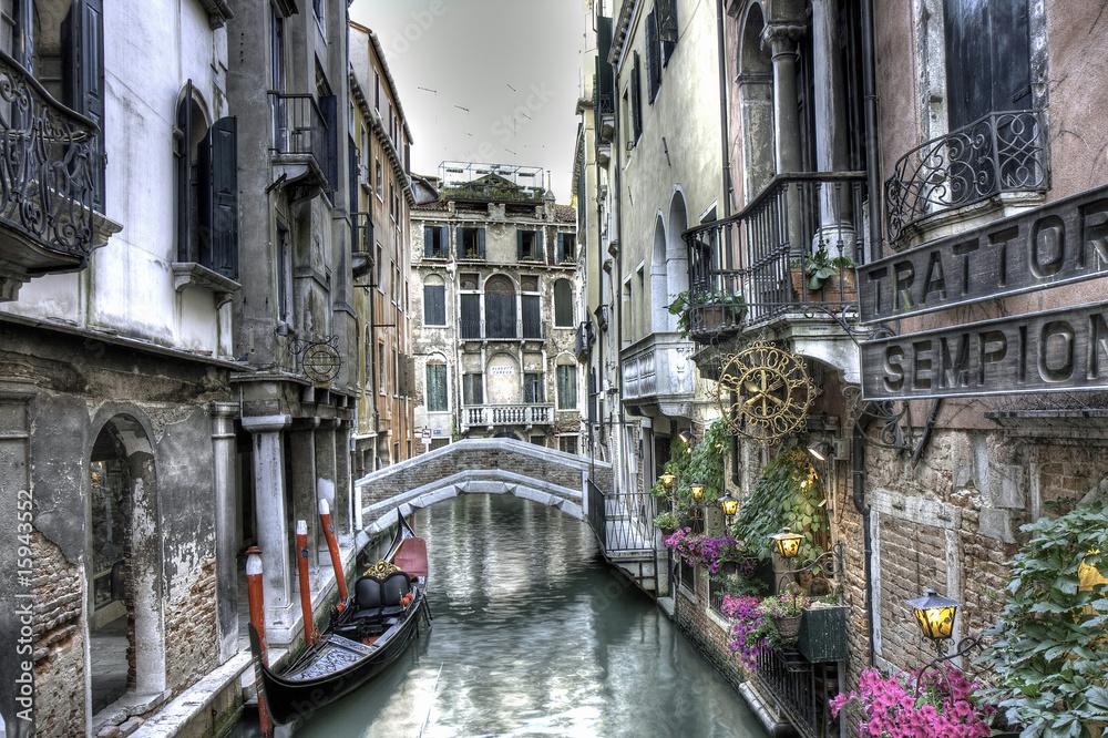 Fototapety, obrazy: Gondel, Palazzi und Bruecke, Venedig, Italien