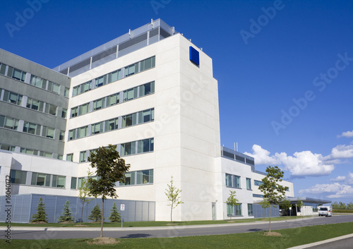 Fotografia  Modern Hospital Building
