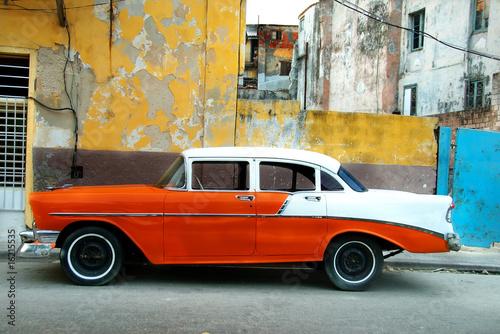 Deurstickers Cubaanse oldtimers Orange American old car