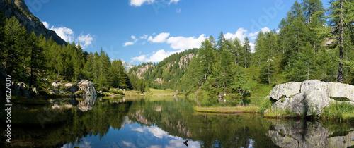 La pose en embrasure Reflexion Lago delle Streghe Parco Nazionale Devero Veglia