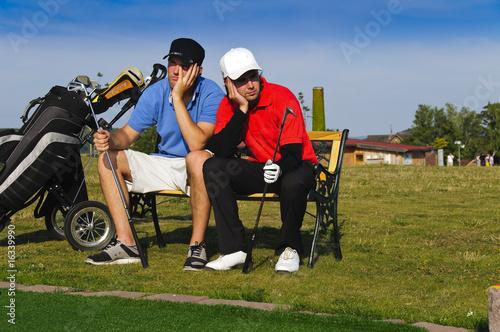 Golfer hatten pech und sind verärgert Wallpaper Mural