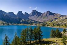 Le Lac D'Allos Dans Le Parc Na...