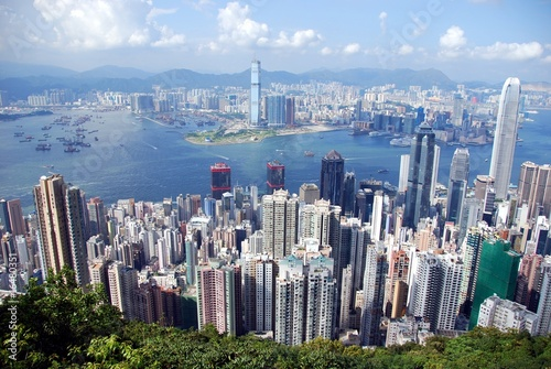 how to buy hong kong stock in canada