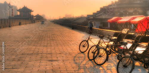 Deurstickers Xian Xi'an / China - Town wall with bicycles