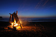 Leinwanddruck Bild - Campfire on shi shi beach in Olympic national park