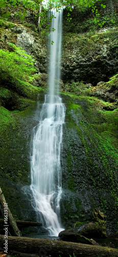 Recess Fitting Waterfalls Silver Falls State Park, Winter Falls