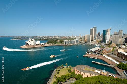 Sydney Hafen mit Skyline und Opernhaus