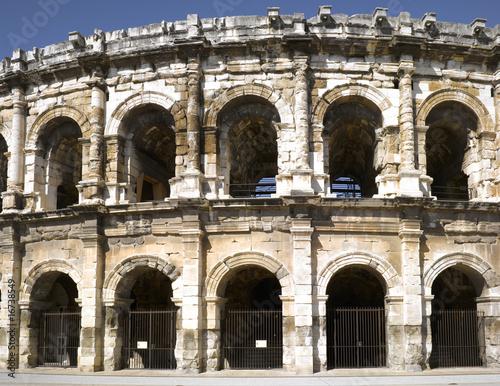 nimes-rzymski-amfiteatr